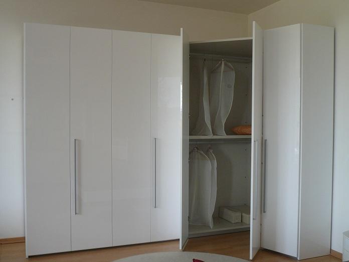 Armadio con cabina - Camera da letto con cabina armadio ad angolo ...